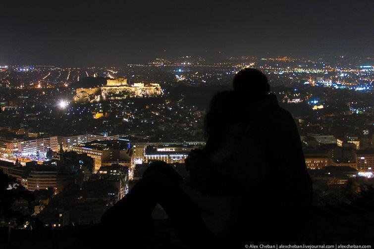 девушка на крыше и вид ночного города картинка предложения рубрике Линолеум