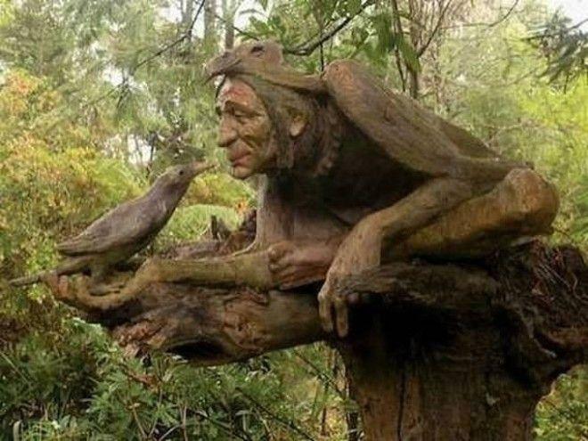 Сказочные персонажи из дерева