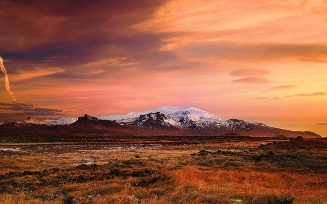 worldicelandplainsandmountainsinicelandatsunset101926